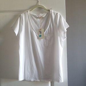 NWT V-Neck Pocket Short Sleeve Tshirt